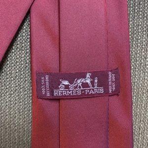 Hermes Accessories - Solid red Hermès Tie